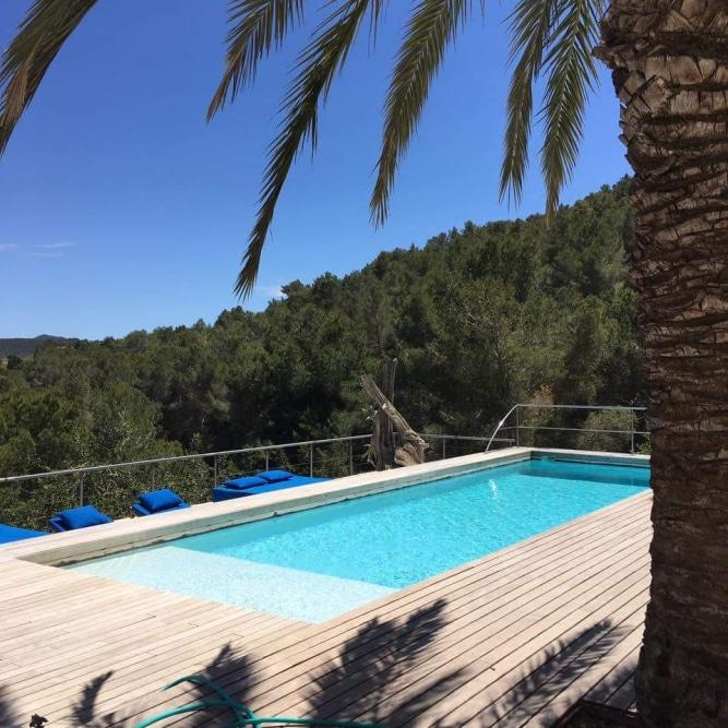 Take nosedive @ Sant Josep de sa Talaia (Retreat Yourself)