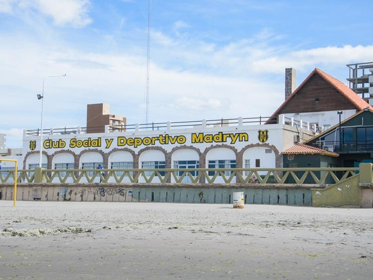 Club Social y Deportivo Madryn beach bar