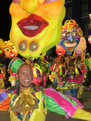 Carnaval in Willemstad yellow face