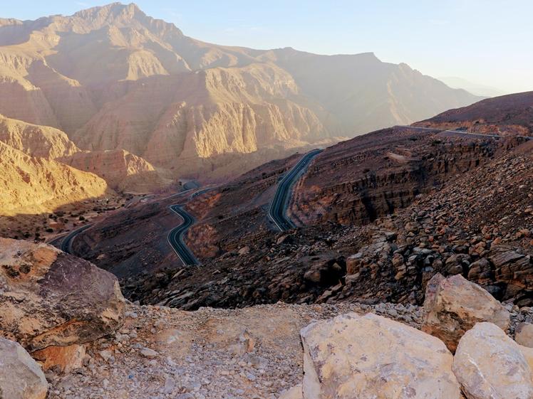 Jebel Jais highest peak UAE Dubai abu Dhabi mountains