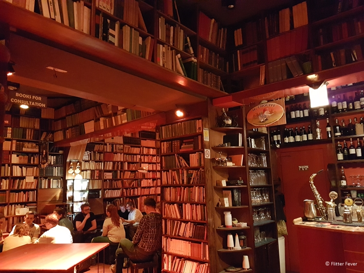 Libreria Berisio is the place to be for cocktails and books (Naples)
