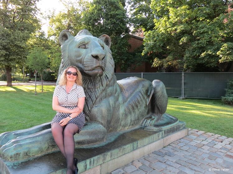 Lion statue park sofia
