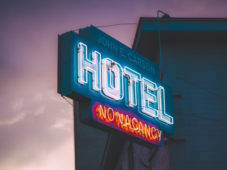 Hotel sign (photo credits Keem Ibarra)