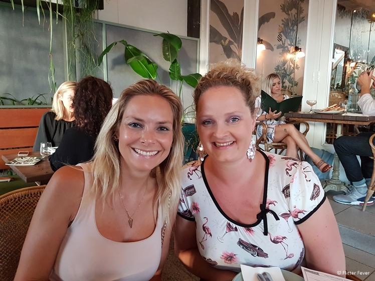 Get together with travel buddy Marjolein in her home town Sydney